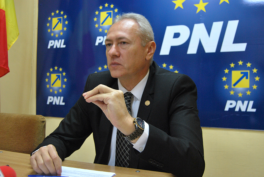 Conducerea PNL Hunedoara infirmă zvonurile potrivit cărora directorul general al CEH ar fi devenit membru în organizația pe care o conduce
