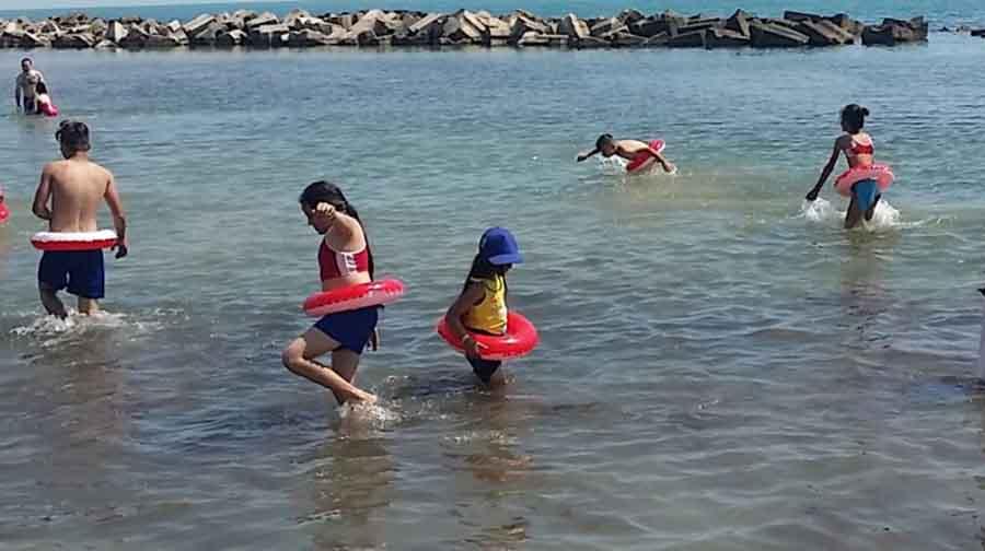 Cei mai merituoși 25 de elevi din Hunedoara, în tabără internațională de vară în Ungaria