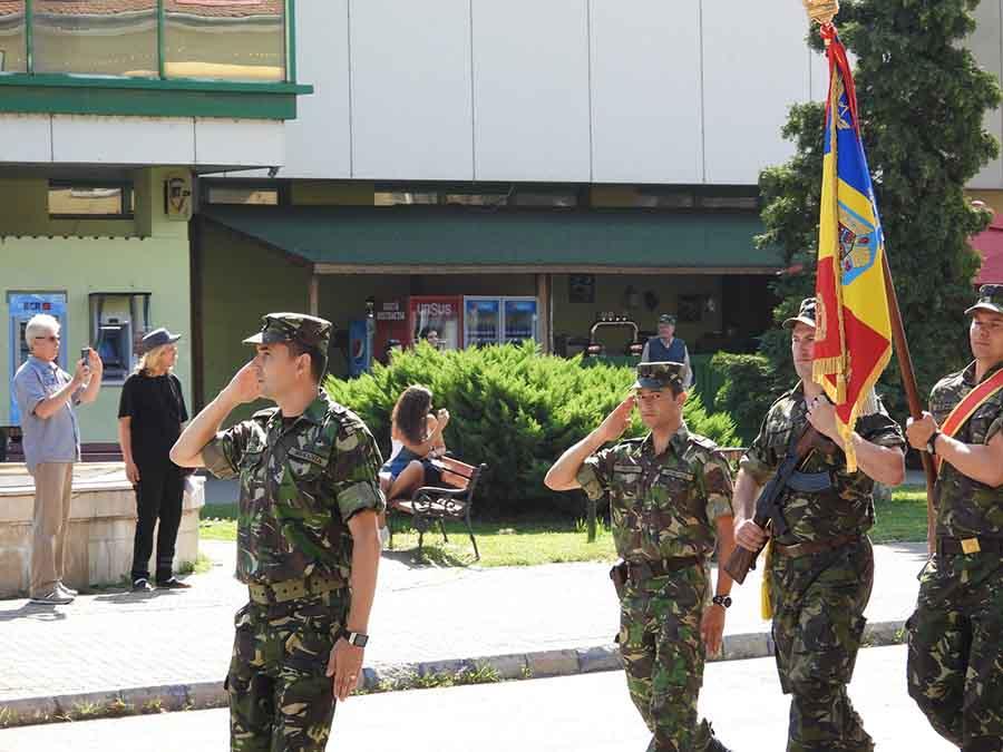 """""""Ziua Drapelului"""", sărbătorită de autoritățile publice. Tricolorul, ridicat pe catarg"""