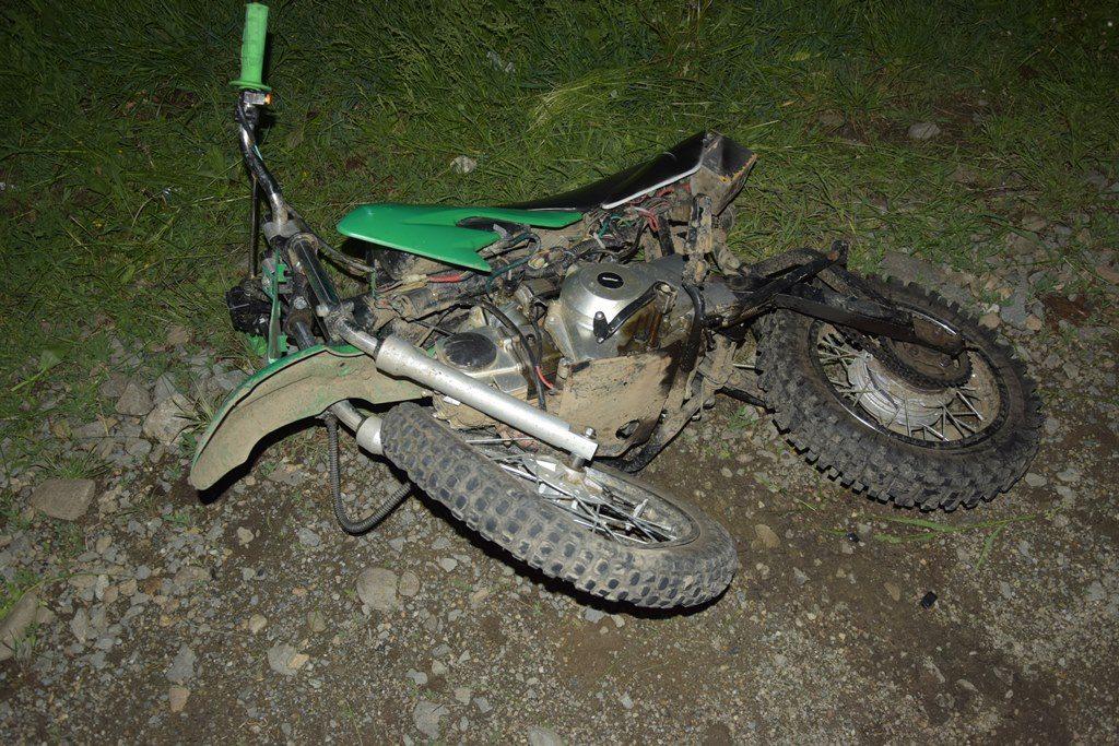 UPDATE: Motociclistul a murit, după aproape o oră în care medicii au încercat să îl resusciteze