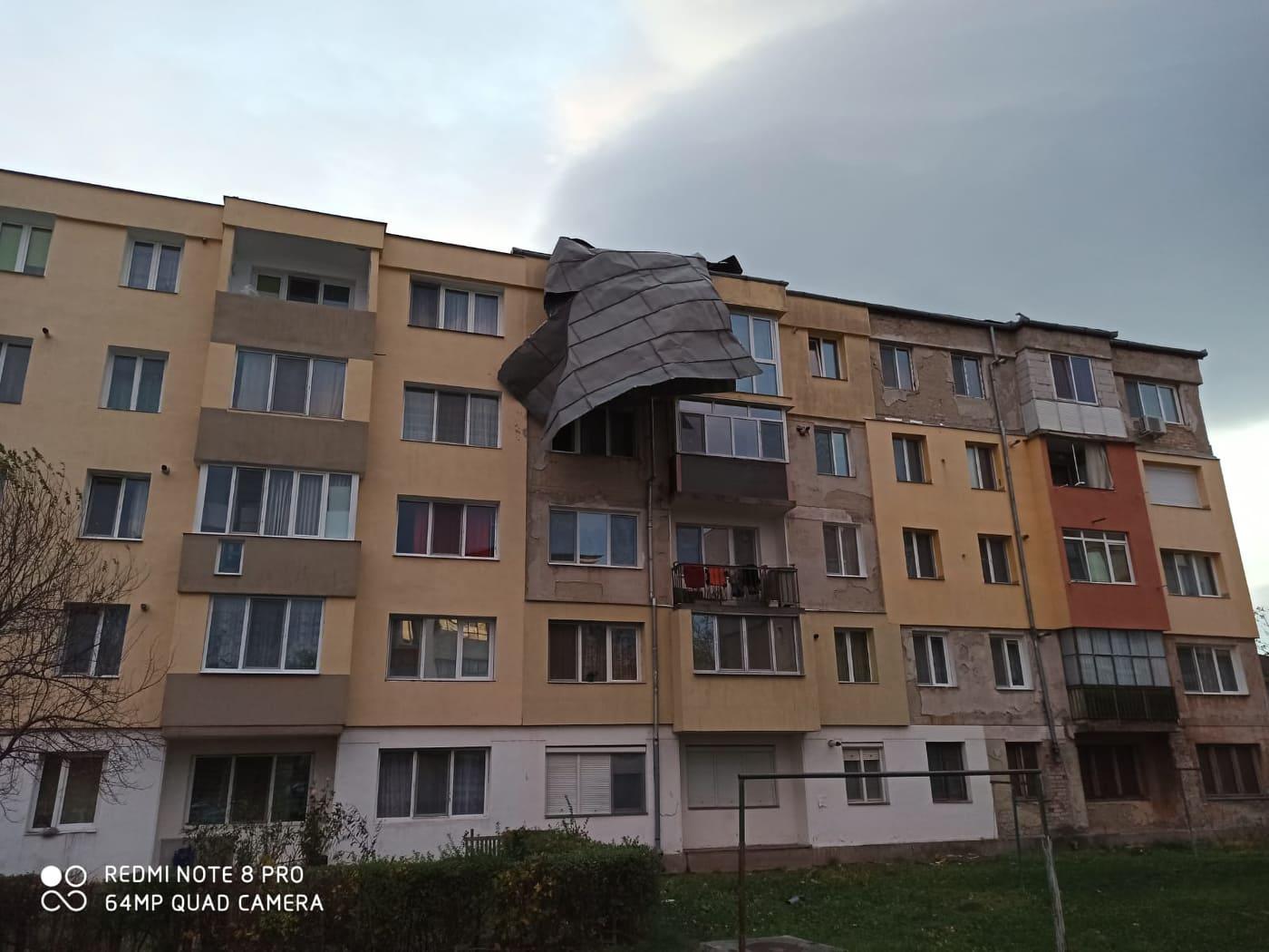 Vântul a făcut prăpăd la Hunedoara