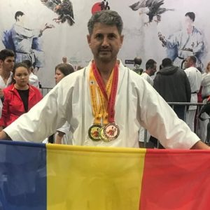 Sportiv din Deva, pe cea mai înaltă treaptă a podiumului Campionatului Mondial de Karate Fudokan