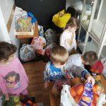 Aproape șase sute de kilogame de fructe și legume, donate de preșcolari, au ajuns la bătrâni și copii sărmani