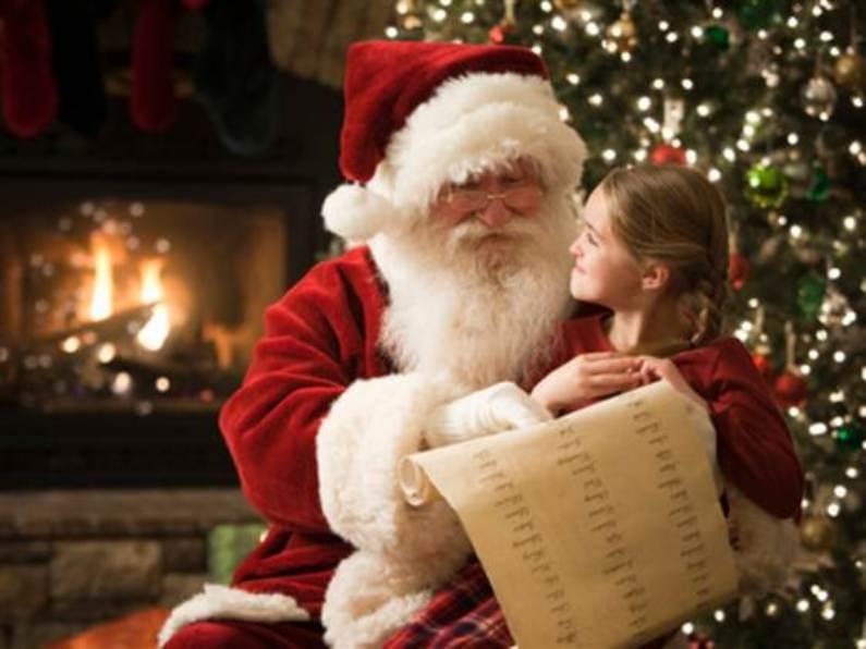 Prietenii lui Moș Crăciun se întâlnesc cu copiii, la Centrul Cultural din Deva