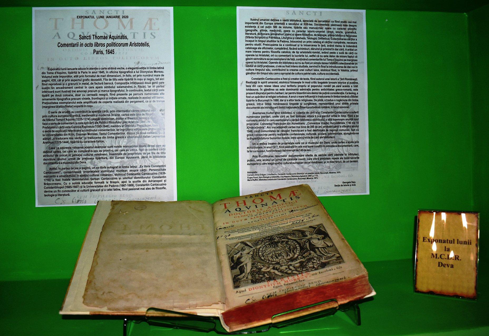 Exponatul lunii la MCDR Deva, o carte în limba latină tipărită în 1645, la Paris