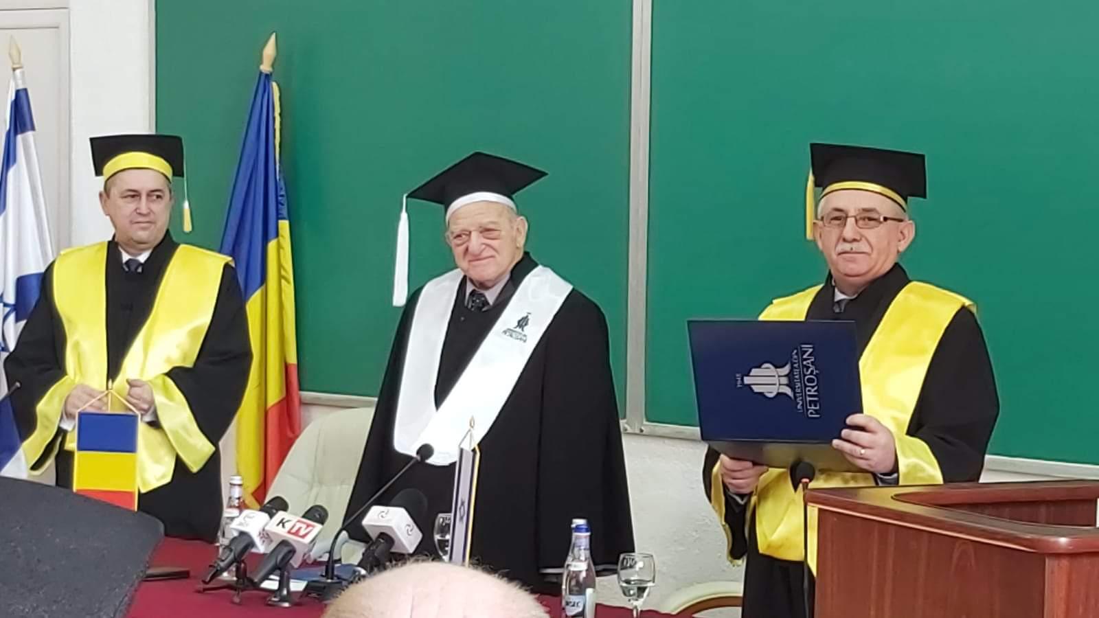 "Eveniment de excepție la Universitatea Petroșani. Dr. Aurel Vainer a primit titlul de ""Doctor Honoris Causa"""