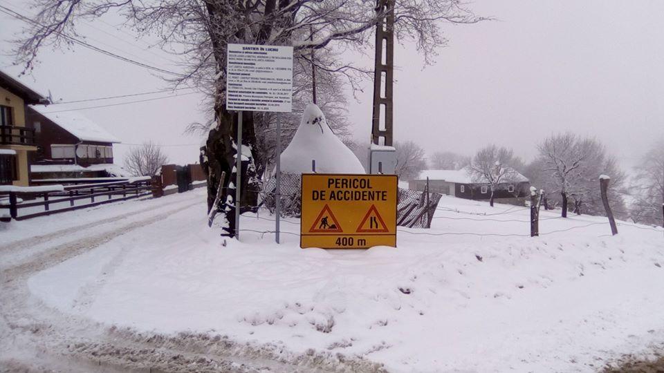 Cu mașinile până pe pârtia de schi din Parâng. Primarul Ridzi cere luarea unor măsuri