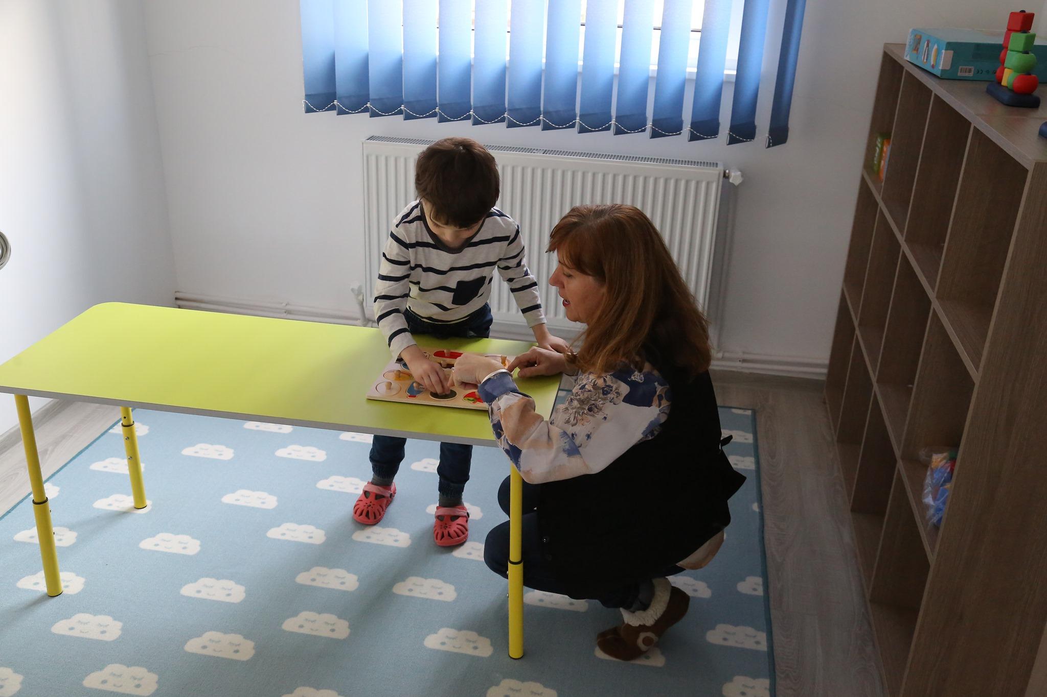 Centru dedicat copiilor cu autism, deschis la Orăștie