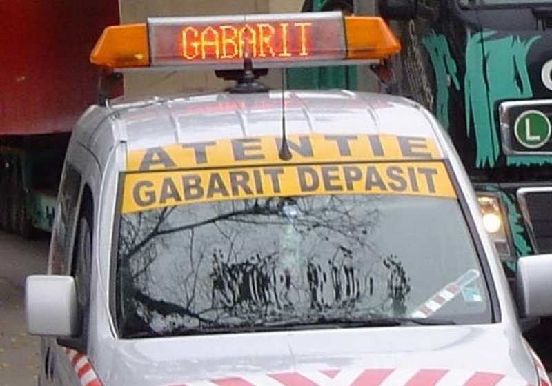 Un transport agabaritic va tranzita județul Hunedoara