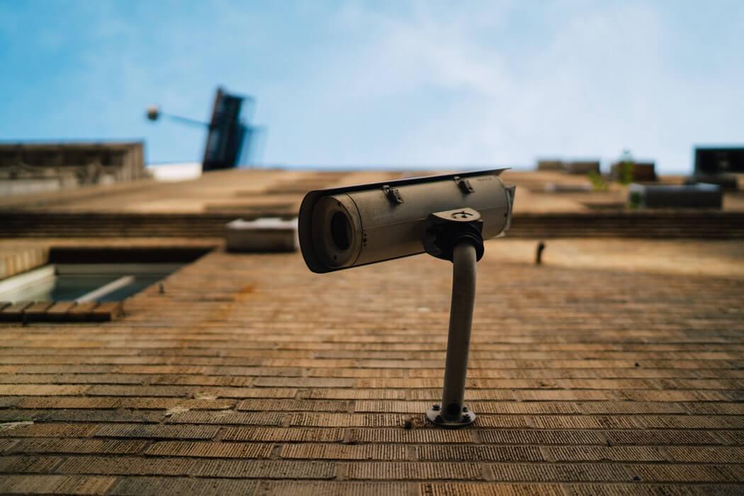 Sunt camerele de supraveghere o necesitate? Află care sunt avantajele montării acestora în locuință!