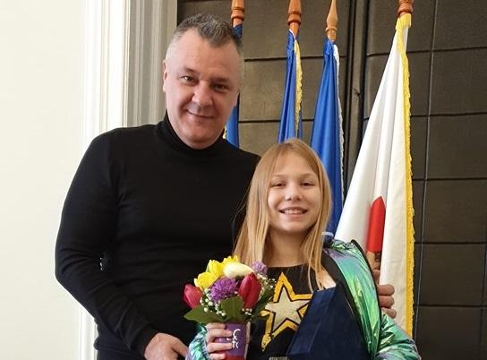 """Premiată de primărie. """"Diplomă de excelență"""" pentru Daria – micuța dansatoare, din Deva, care a impresionat o țară întreagă"""