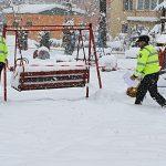 Toate parcurile și locurile de joacă din Petroșani vor fi închise, iar băncile, ridicate de pe domeniul public