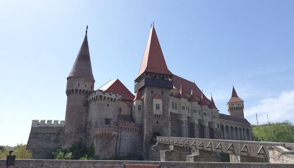 Programul și tarifele de vizitare la Castelul Corvinilor, redeschis pentru public, începând de vineri