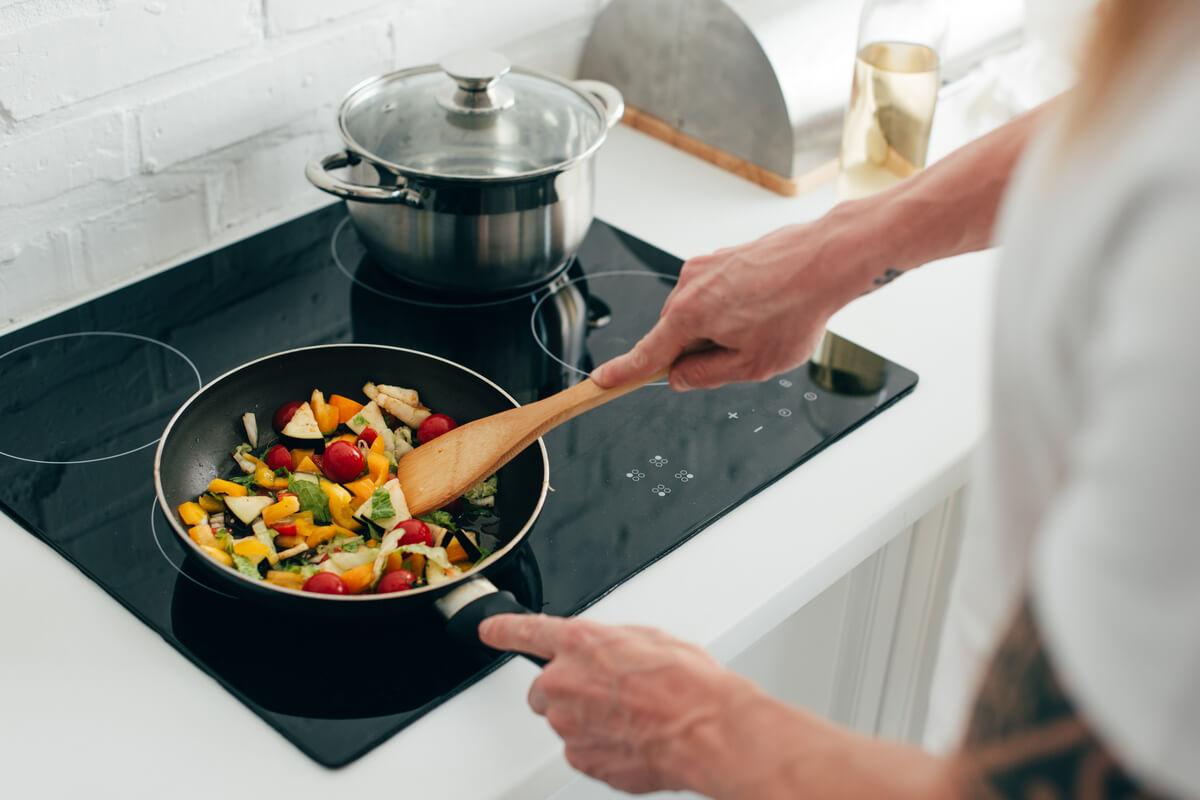5 avantaje de luat în seamă ale gătitului cu ajutorul electricității