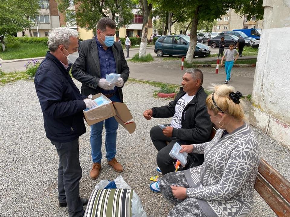 Mii de măști de protecție donate de Viorel Arion, în municipiul Hunedoara
