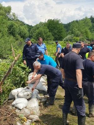 , 400 de gospodării afectate de inundațiile din Valea Jiului și aproape 300 de persoane autoevacuate. Din fericire, nu a fost înregistrat niciun deces