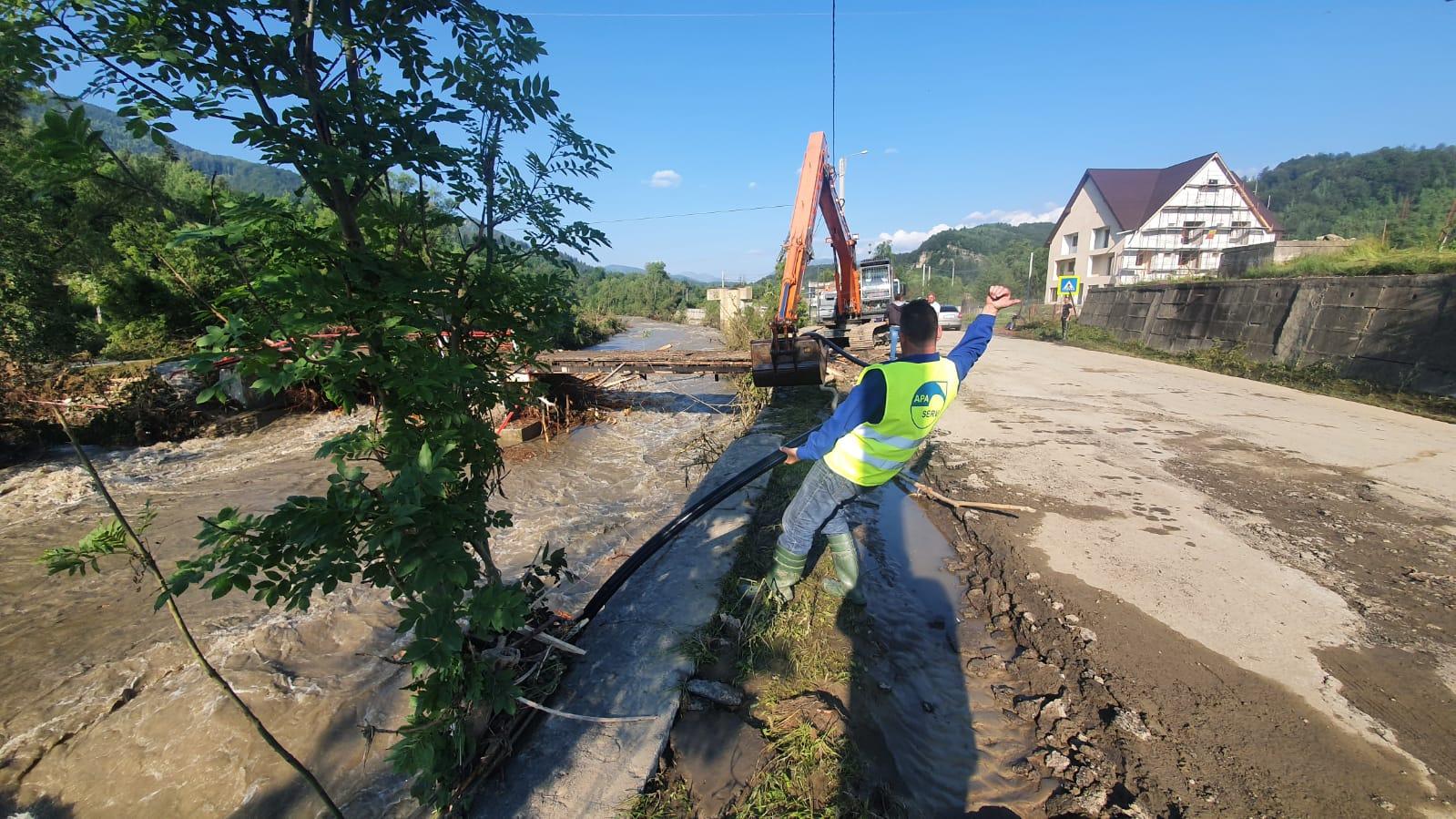 Furnizarea apei, în regim restricționat în mai multe localități din Valea Jiului, din cauza unor avarii grave la sistemul de aducțiune de la Valea de Pești