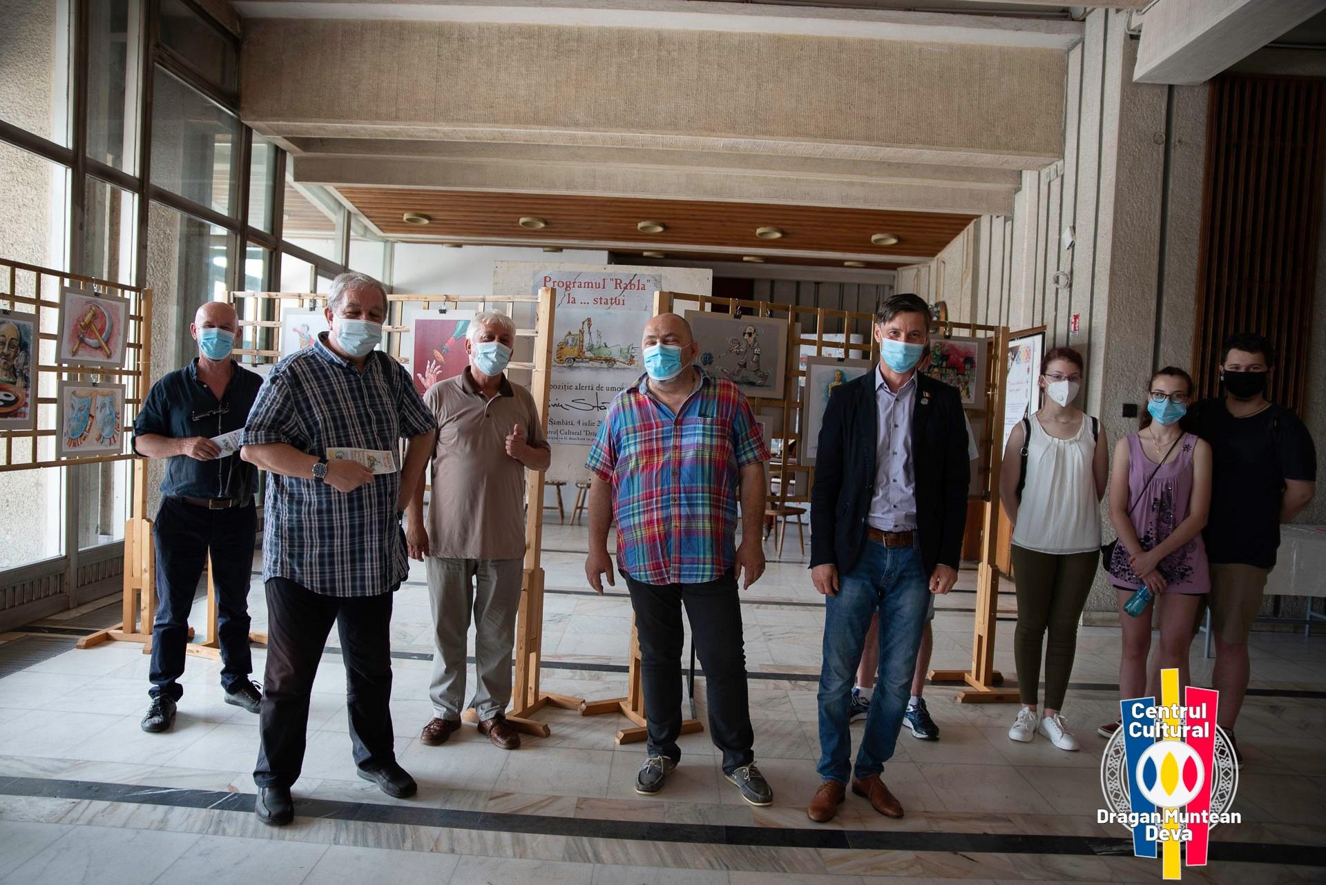 FOTO| Expoziţie de umor grafic, vernisată la Centrul Cultural din Deva