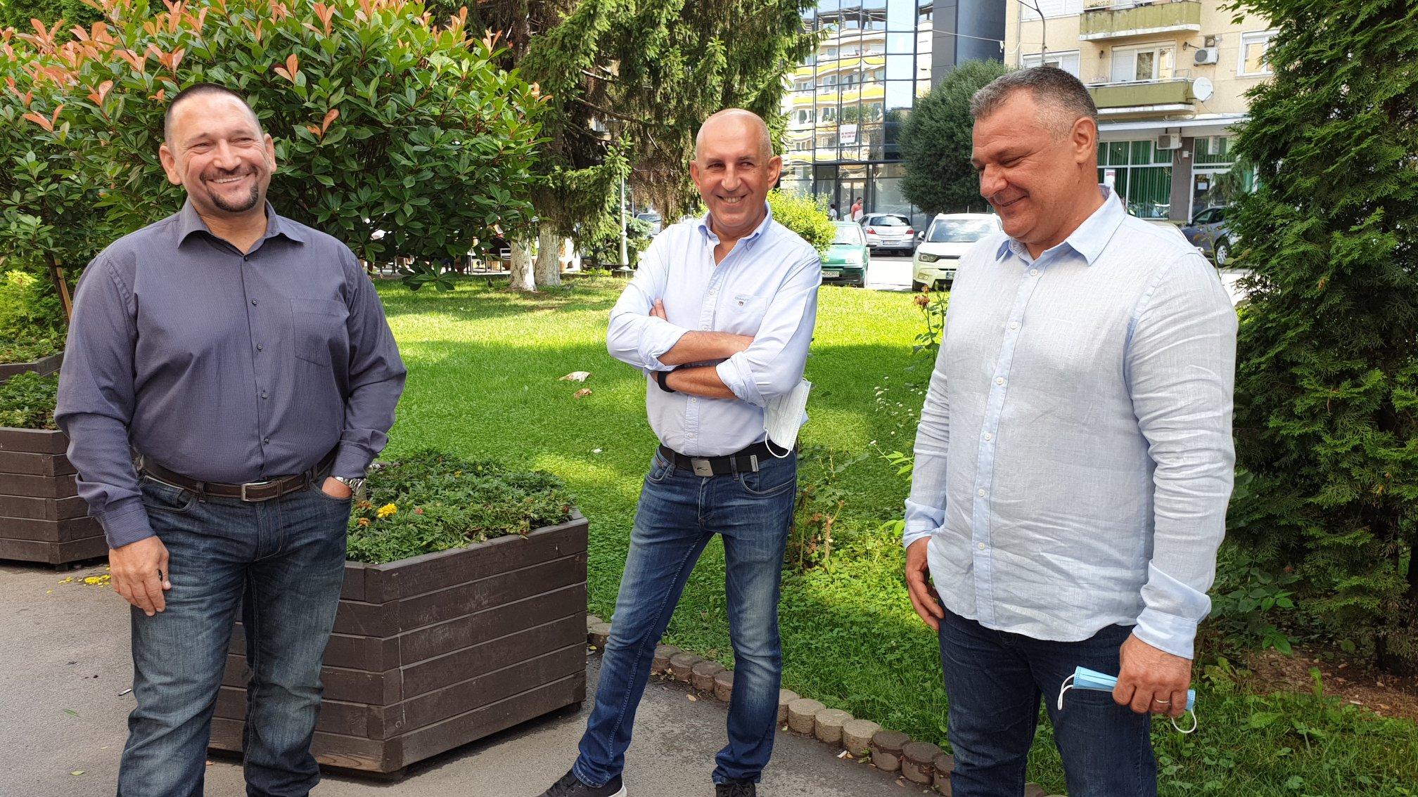 Forţe noi în PNL Deva. Comisarul Traian Berbeceanu şi medicul Marius Blendea au intrat în rândul liberalilor