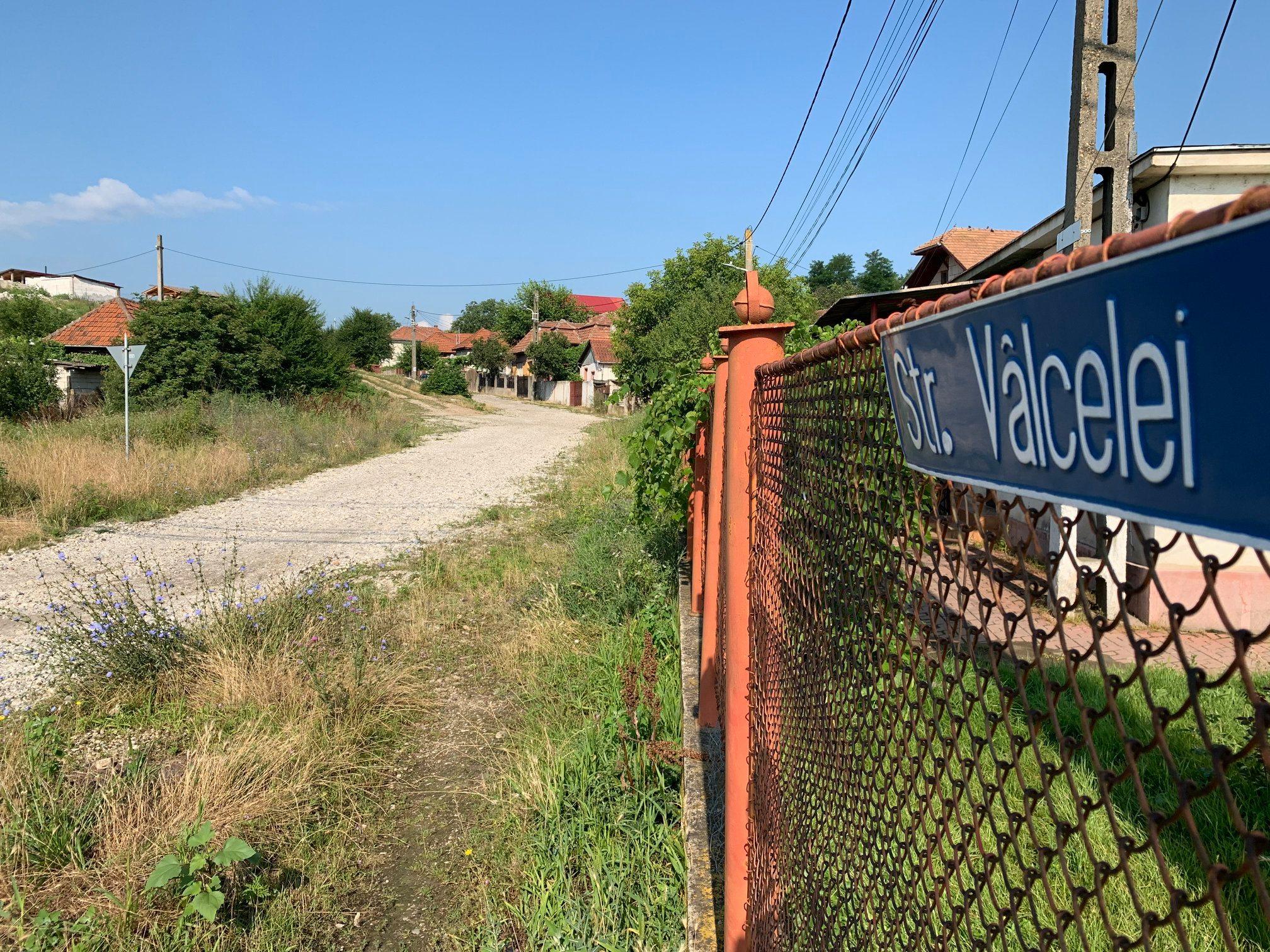 Două străzi din satul Cristur vor fi modernizate