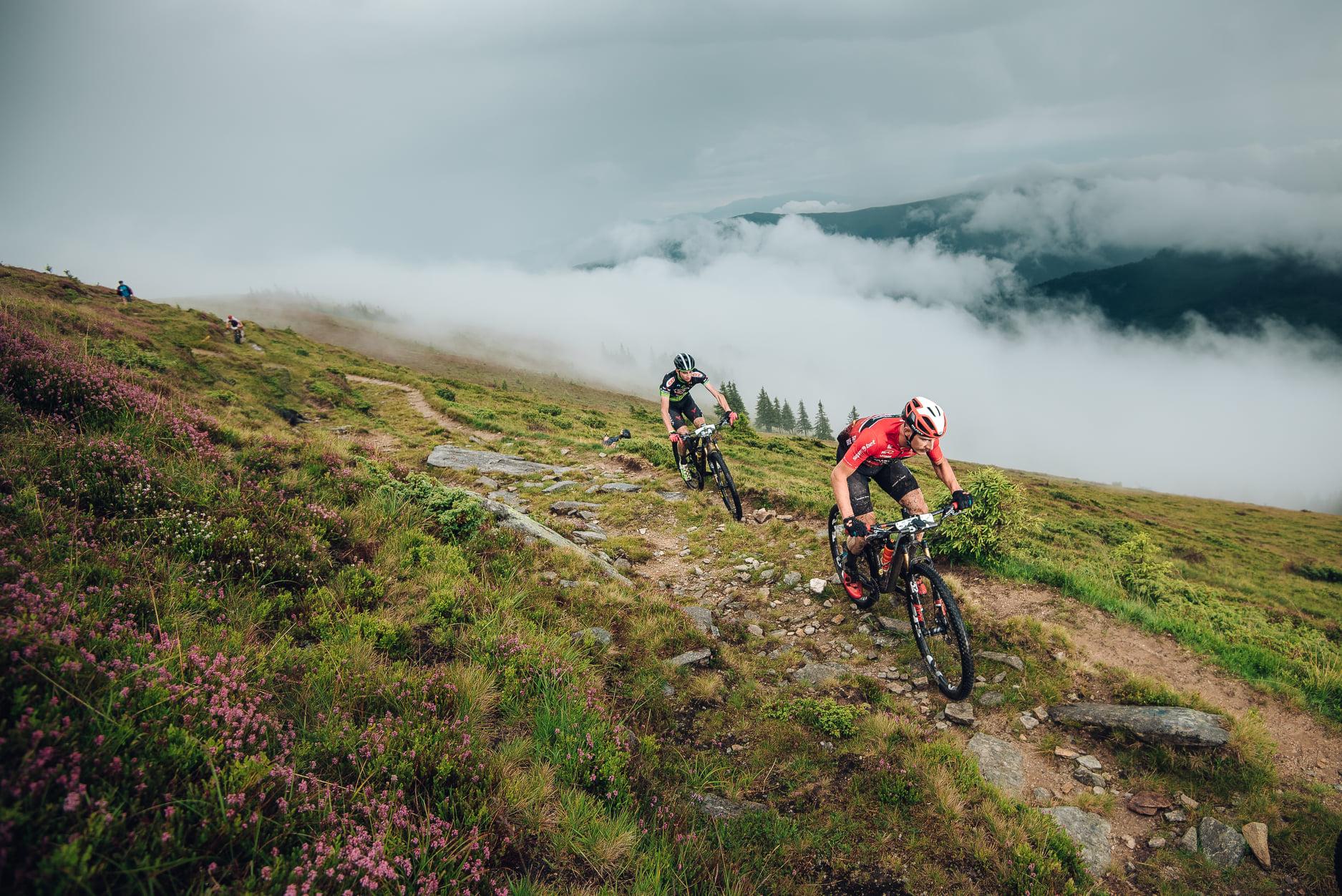 MTB Țara Hațegului Stage Race – competiție spectaculoasă, cu cei mai buni cicliști