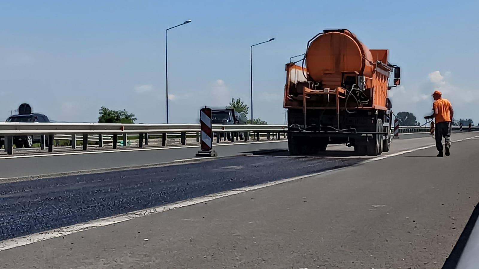 FOTO| Lucrări de reparaţii pe autostrada A1 Deva -Sibiu, în zona Orăştie. Restricţii de circulaţie