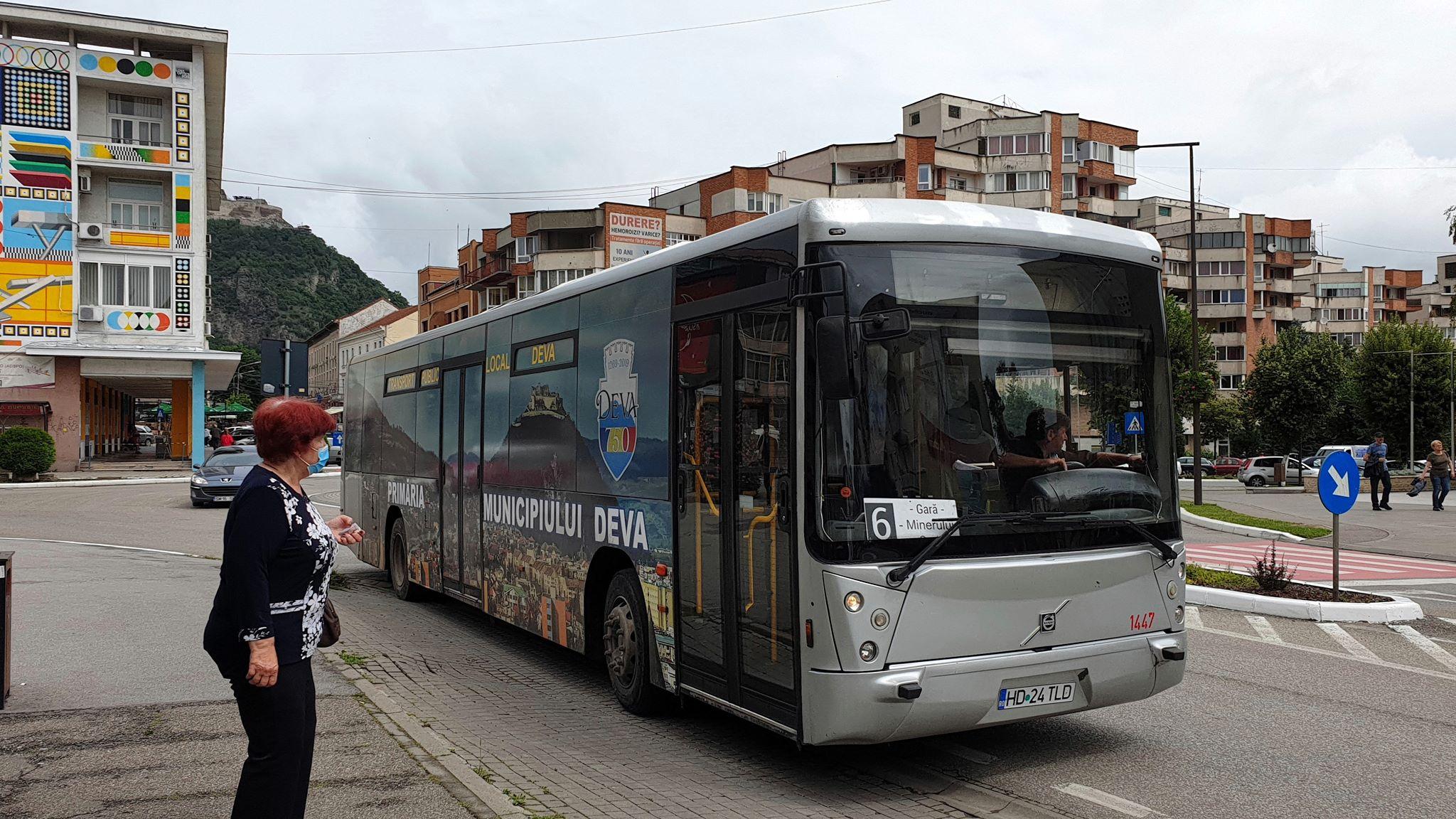 Începe distribuirea tichetelor gratuite pentru transportul public local din Deva