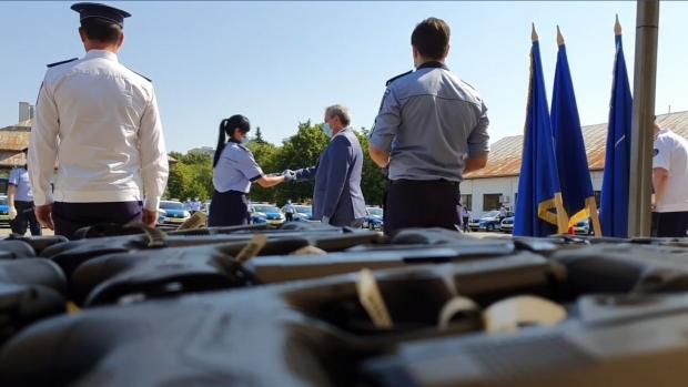 Dotări noi pentru polițiști. Oamenii legii vor primi pistoale Beretta și autospeciale noi