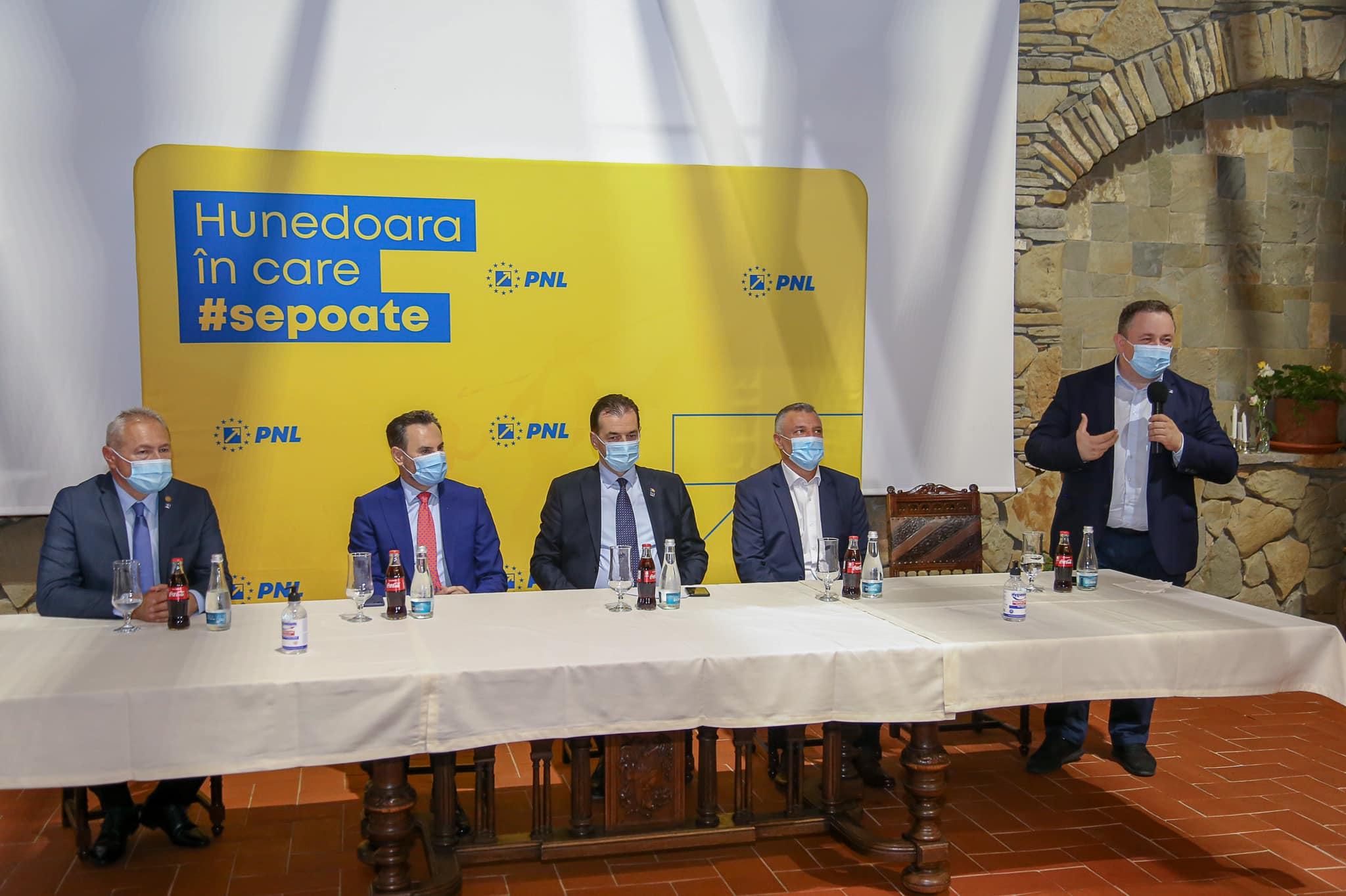 """Orban, oaspetele liberalilor din județul Hunedoara. Adrian David: """"Am discutat despre Hunedoara Nouă, despre campania electorală"""""""