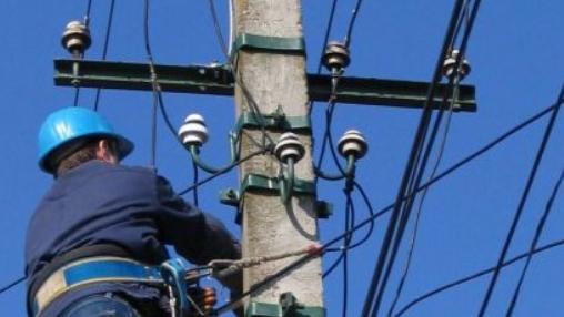 Întreruperi de energie electrică, programate în perioada 10-14 august. Localităţile din judeţul Hunedoara vizate