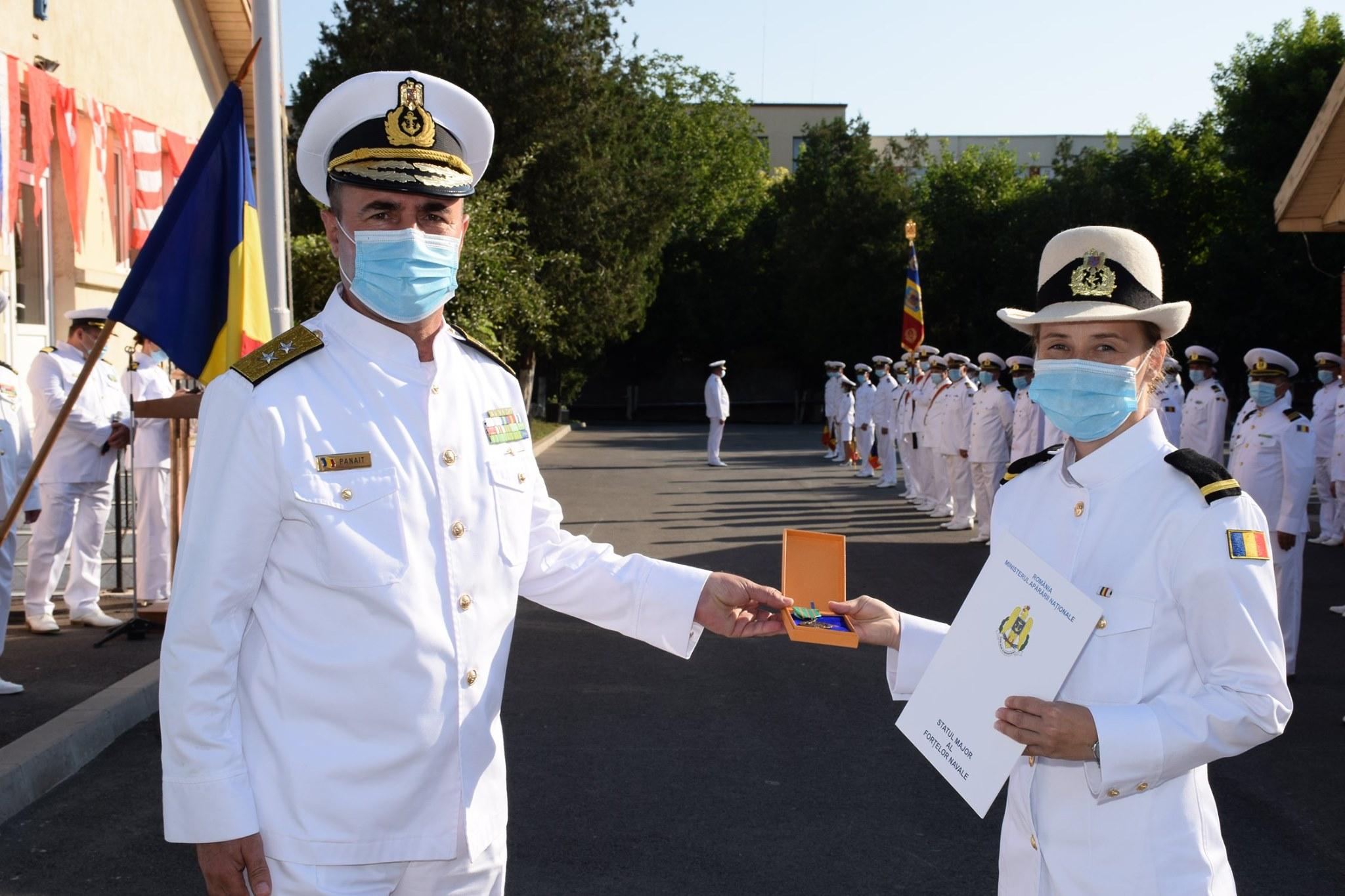 """Din Țara Moților, la bordul fregatei """"Regele Ferdinand"""". O brădeancă, a zecea fată șef de promoție din istoria Școlii Militare de Maiștri Militari a Forțelor Navale"""