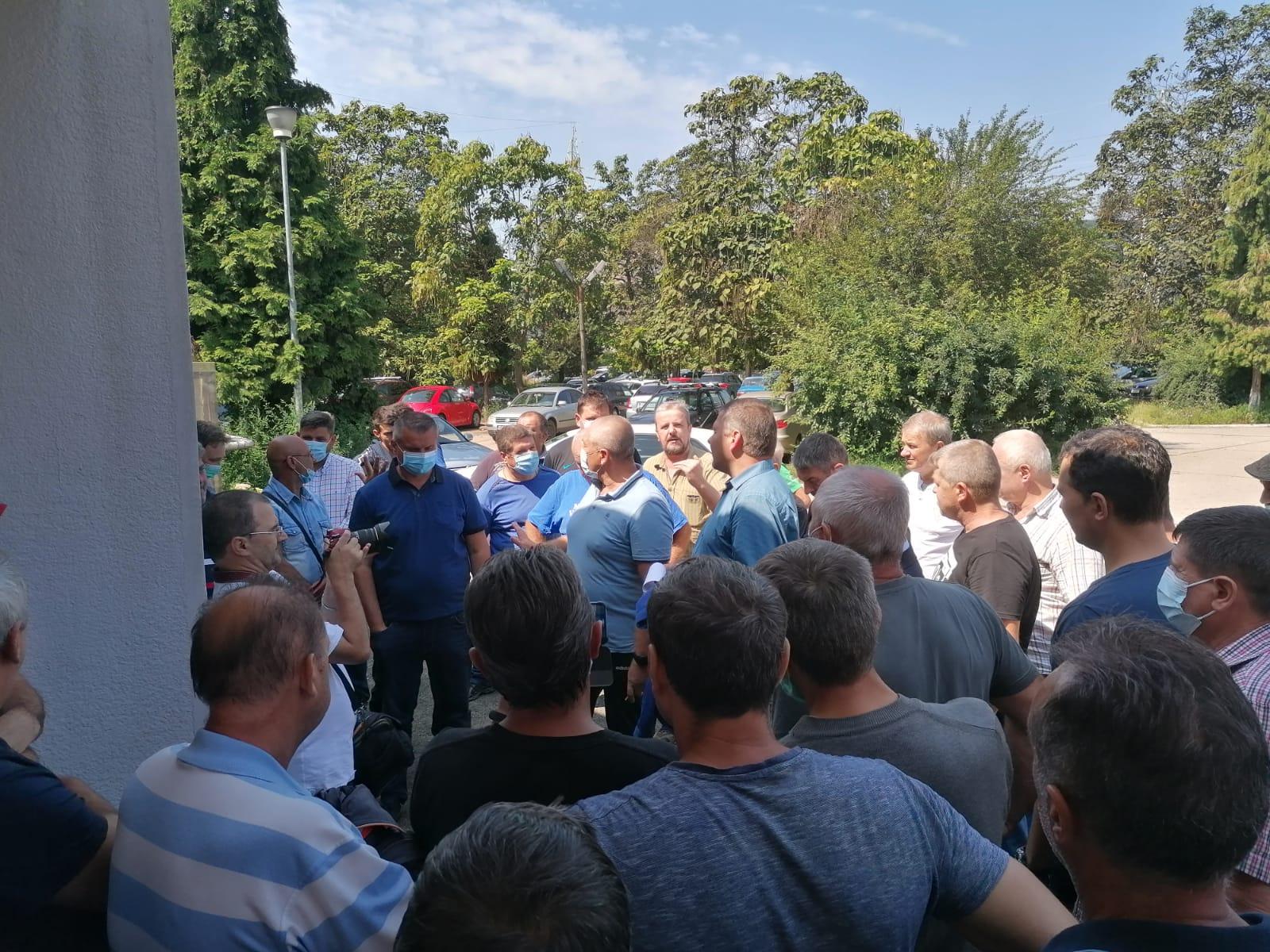 Protestul de la Termocentrala Mintia a fost suspendat. Liderii sindicali, așteptați la discuții cu premierul Ludovic Orban și miniștrii de resort