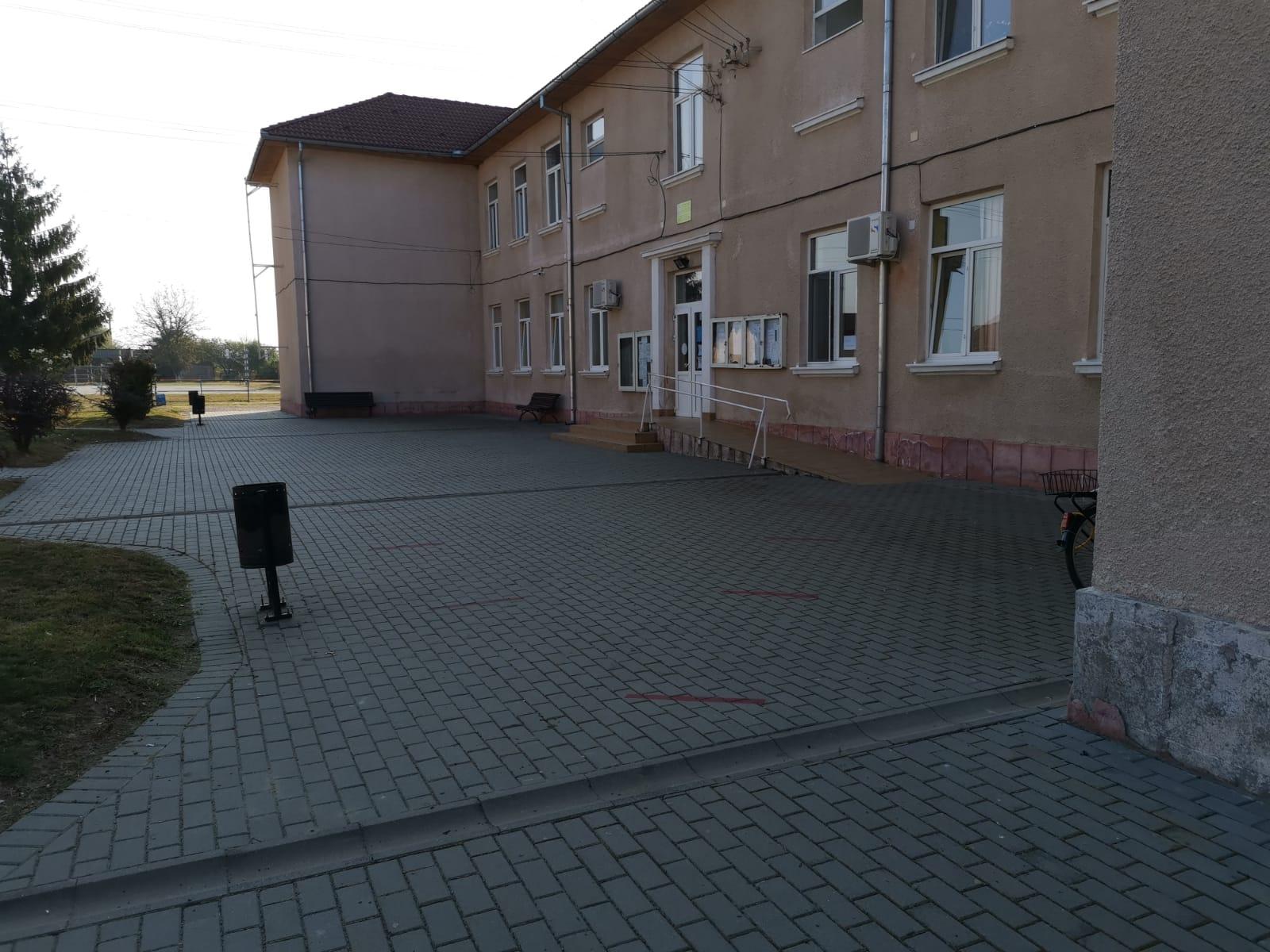 La Ilia, clopoțelul a sunat în condiții de siguranță și de igienă împotriva COVID-19