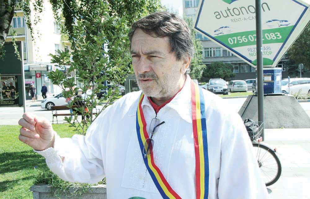 Pentru al 10-lea an, scriitorul Laurian Stănchescu pornește în Marșul Național în cinstea lui Avram Iancu