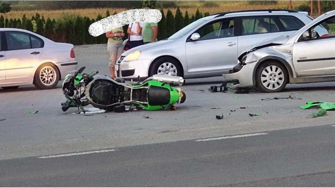 Motociclist hunedorean, implicat într-un accident rutier în Bistrița – Năsăud. Soția acestuia este în stare gravă, la spital