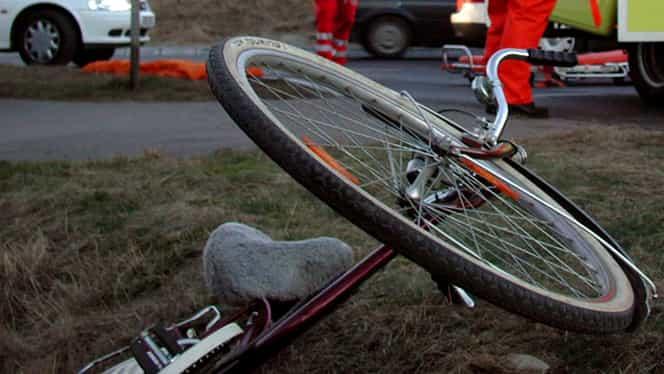 Adolescenți accidentați în timp ce se plimbau cu bicicleta