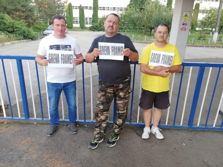 A patra zi de proteste la Termocentrala Mintia. Cinci dintre angajați au intrat în greva foamei. Centrala rămâne oprită