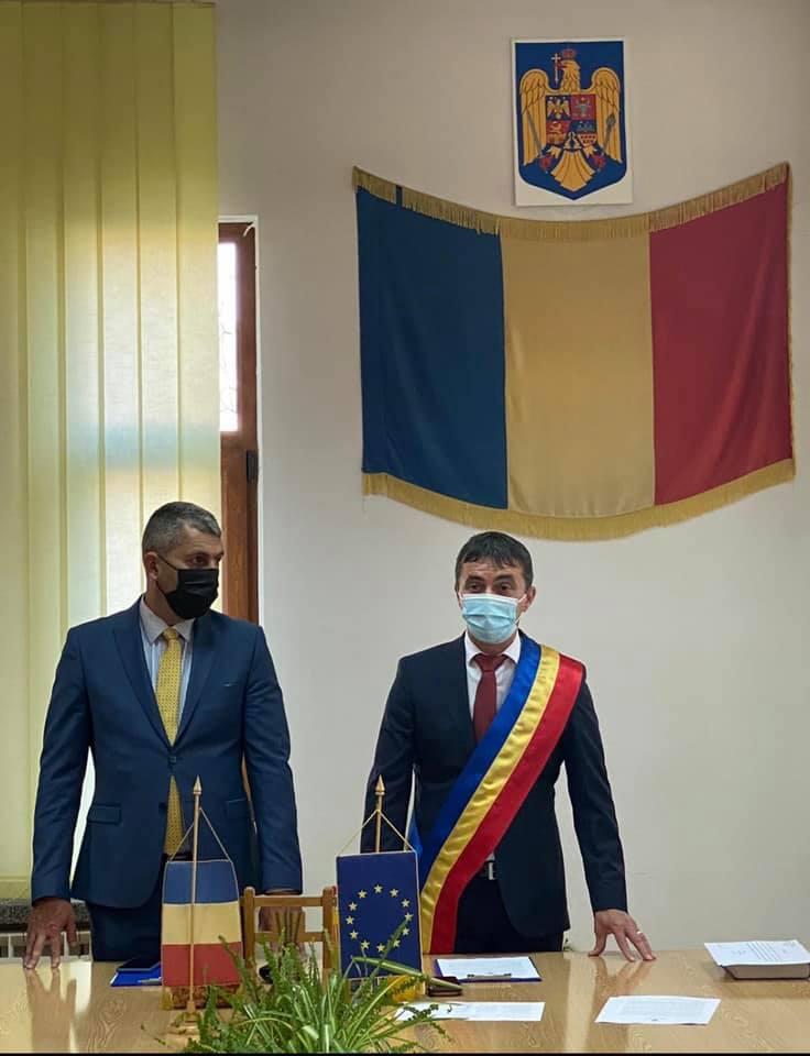 """Adrian Pușcaș, primarul orașului Hațeg, a fost învestit în funcție. """"Vreau să-i asigur pe cetățeni de întreaga mea implicare!"""""""