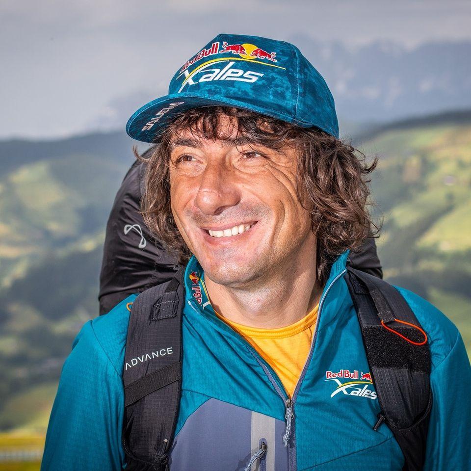 """Legendarul Toma Coconea se pregătește pentru al zecelea concurs """"Red Bull X-Alps"""""""