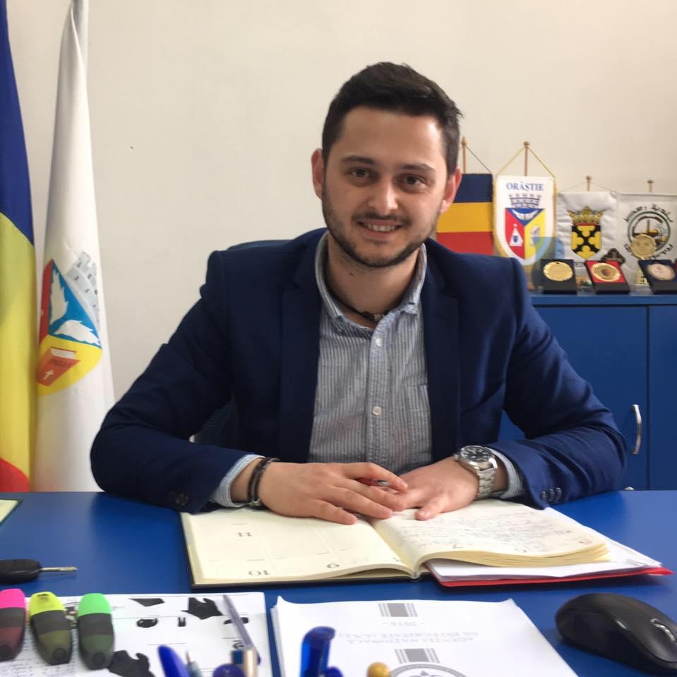 Unul dintre vicepreședinții CJ Hunedoara este Alin Țambă, actualul viceprimar al Orăștiei