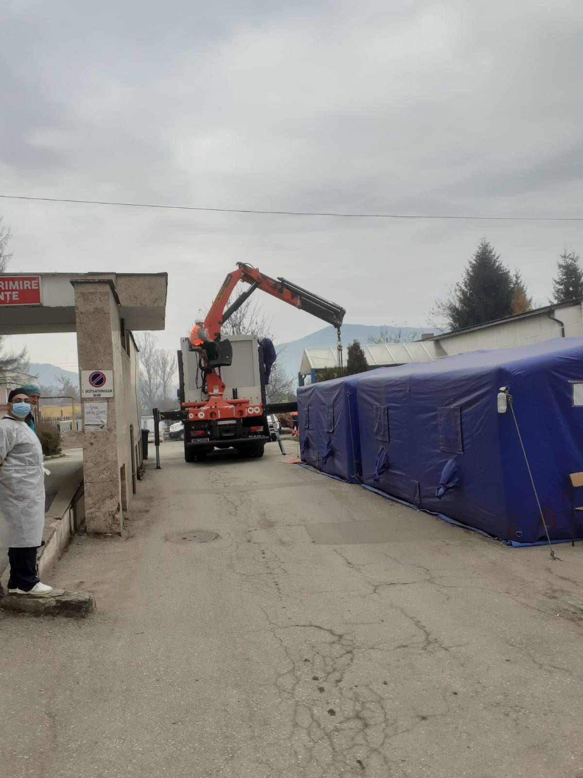 Containere modulare și pentru spitalele din Petroșani și Lupeni