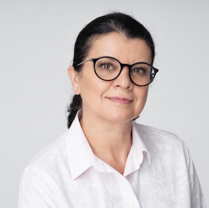 Vetuța Stănescu: Trebuie să fim alături de medicii români! Ei sunt EROI și NU criminali!