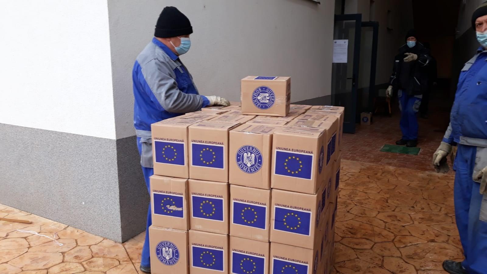 A început distribuirea celei de-a treia tranșe de produse de igienă pentru peste 14.000 de hunedoreni