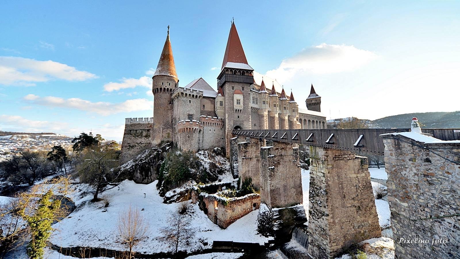 """Castelul Corvinilor își depune candidatura pentru titlul de """"Marcă a patrimoniului european"""""""