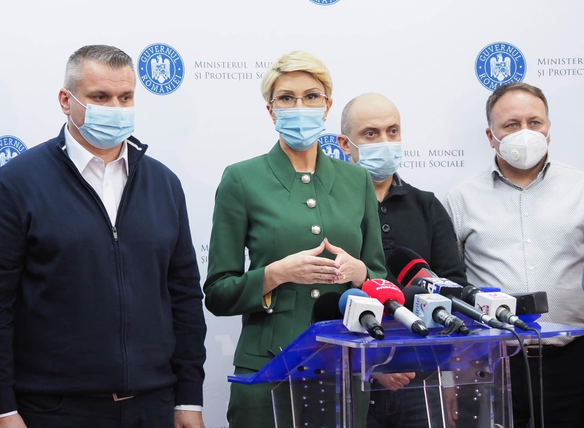 """Ministrul Muncii, Raluca Turcan: """"Minerii îşi vor primi banii în zilele de 25 şi 26 februarie"""". Ortacii blocaţi în subteran au cerut confirmarea în scris, """"negru pe alb"""""""