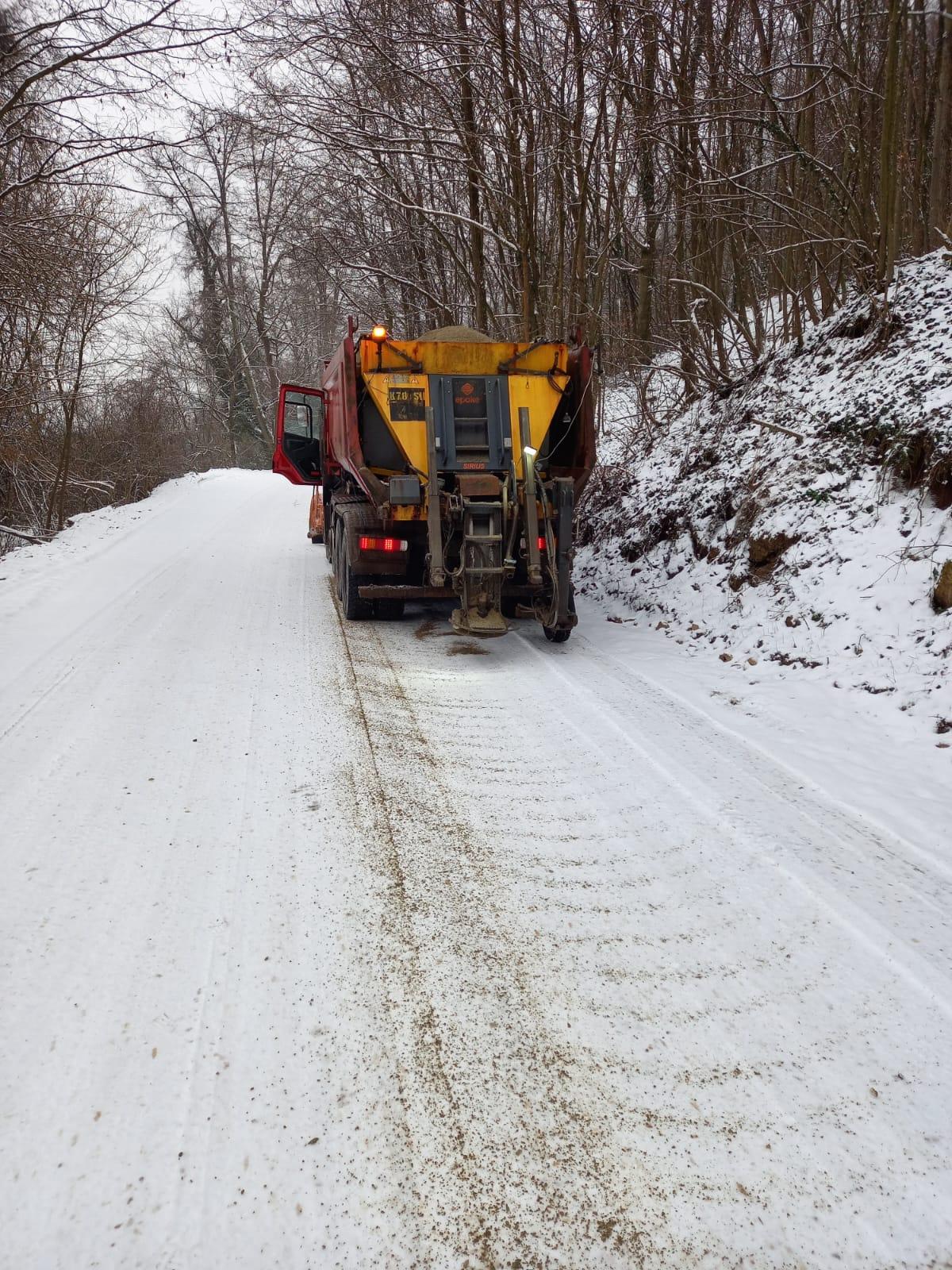 Dispeceratul de iarnă – Intervenții pe drumurile județene, în ultimele 24 de ore