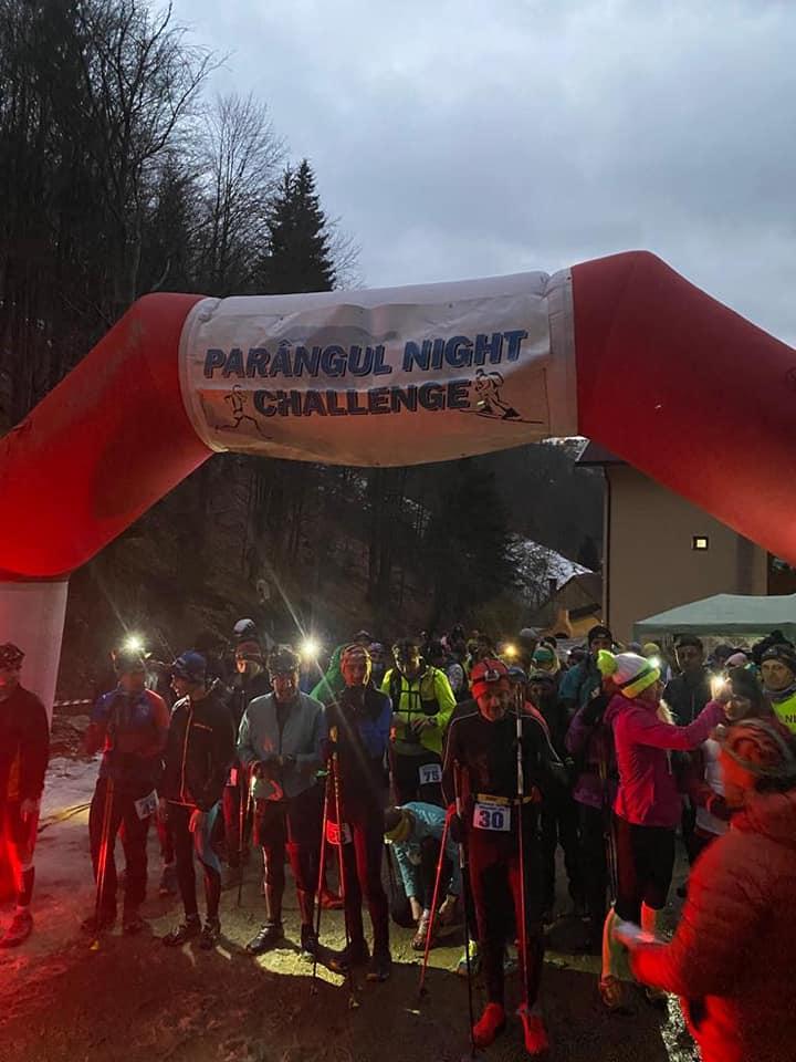 """""""Parângul Night Challenge"""", competiție de alergare nocturnă, la lumina făcliilor, și-a desemnat câștigătorii"""