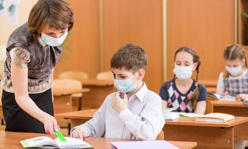 IȘJ Hunedoara: 75 la sută dintre elevii hunedoreni, revin pe băncile școlilor