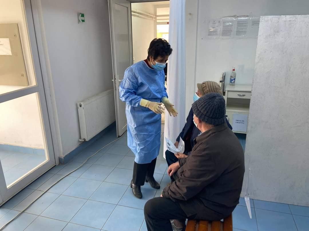 Vaccinarea anti-COVID se desfăşoară în condiţii normale, conform programărilor, la centrul din Haţeg