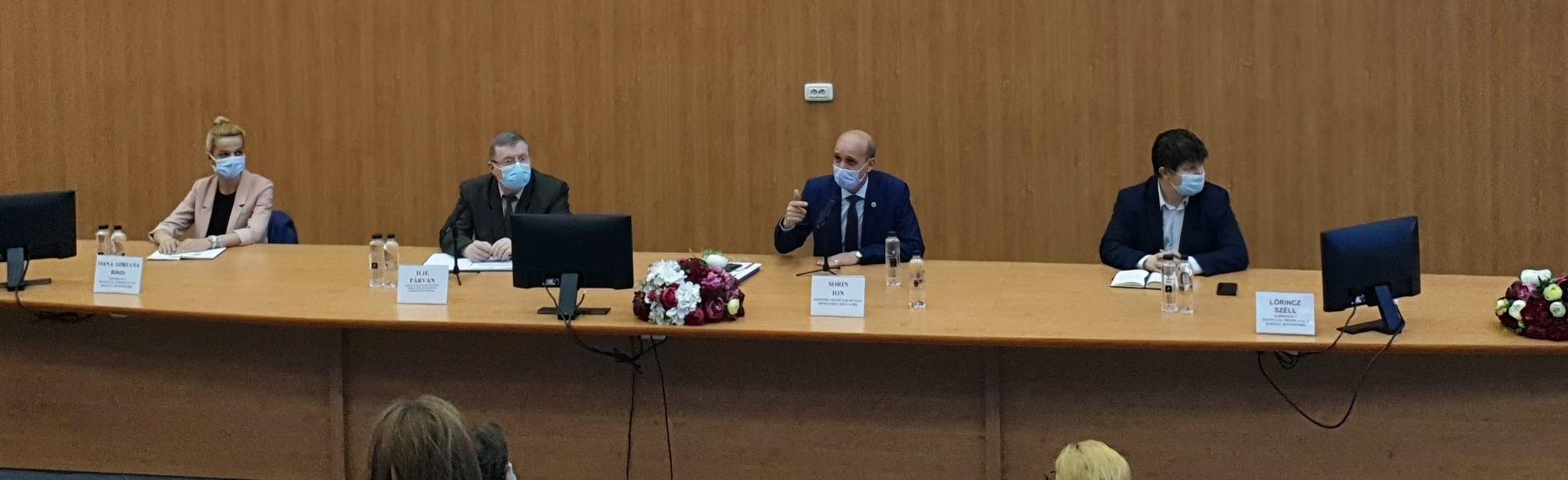 """Campania """"Vaccinare și testare pentru învățare"""", lansată şi în judeţul Hunedoara, în prezenţa secretarului de stat Sorin Ion"""